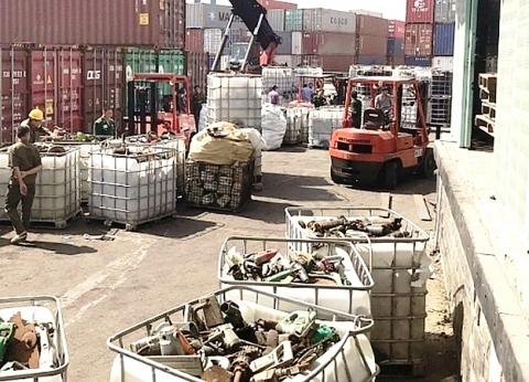 phe lieu ton dong o tp ho chi minh len toi hang ngan container
