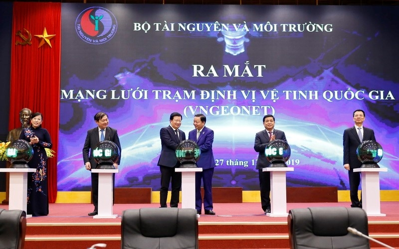 mang luoi tram dinh vi ve tinh quoc gia vngeonet thay doi co ban ha tang do dac