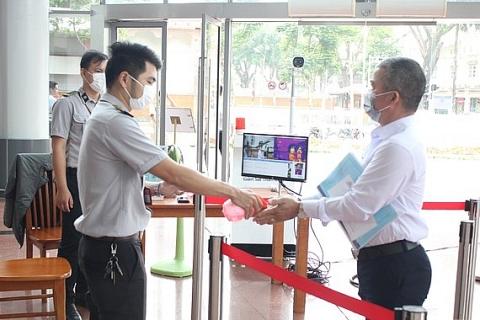 doanh nghiep singapore ho tro da nang nhieu trang thiet bi phong chong covid 19