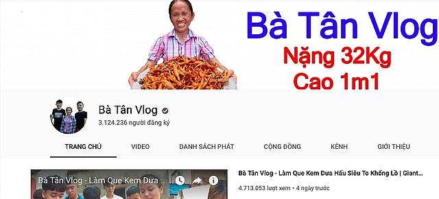 ba tan vlog nhan tien quang cao tu youtube co that dat 300 trieu dongthang