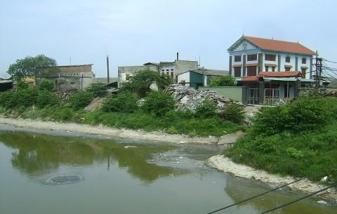 Bắc Ninh chỉ đạo xử lý vi phạm hành lang đê và rác thải rắn tồn đọng