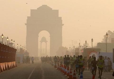 Thủ đô Ấn Độ chìm trong khói độc, 20 triệu người bị đe dọa