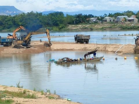 Đóng cửa mỏ cát làm vật liệu xây dựng thông thường của Công ty Pha Lê tại xã Đại Sơn, huyện Đại Lộc