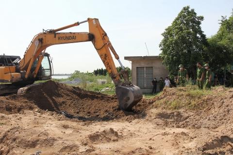 Hà Nam: Phát hiện hộ kinh doanh chôn lấp trái phép hơn 500 tấn chất thải