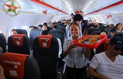 banh trung thu cua ba tan vlog len may bay jetstar pacific con voi chui lot lo kim