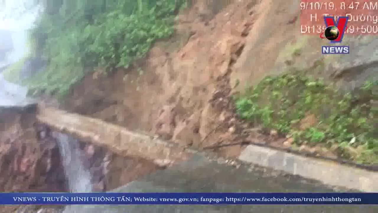 Nhiều tuyến đường tại Lai Châu bị ách tắc do sạt sụt
